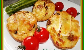 Vypečené  plněné brambory s uheráčkem, sýrem, a houbami