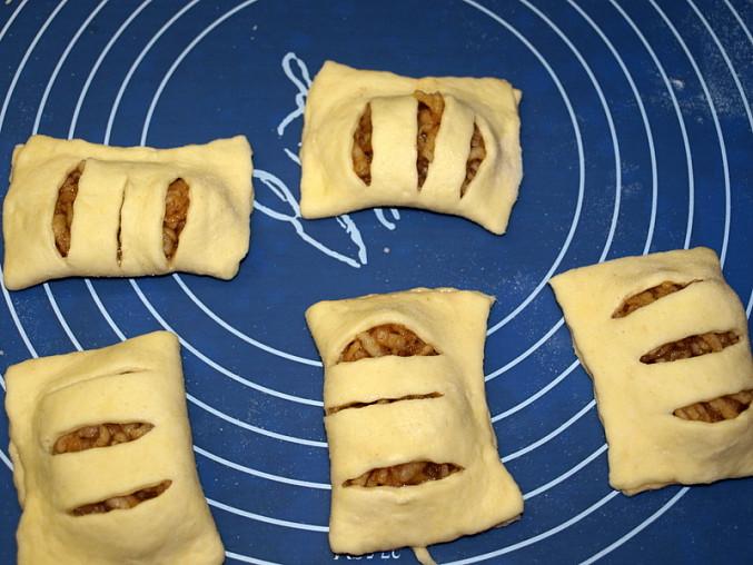 Jablkové šátečky z tvarohového těsta, ...přeložit