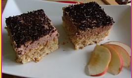 Kokosovo-jablečný moučník s čokoládovým krémem