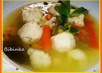 Královská polévka se zázvorovo-vinnými knedlíčky