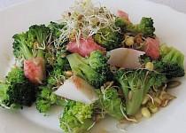 """""""Lehká večeře"""": Brokolicový salát s klíčky"""