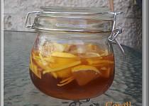 Speciální nápoj proti podzimnímu nachlazení, virozám a bolestem v krku
