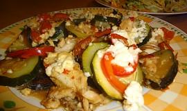 Tilapie na zelenině s balkánským sýrem