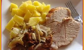 Vepřová pečeně s liškami a řapíkatým celerem