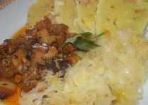 Vepřové kostky - ala moravský vrabec, se zelím a  knedlíkem z řapíku a slaniny
