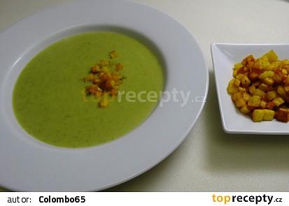 Brokolicová polévka sopečenými kostičkami brambor