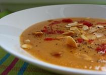 Marocká ostrá květáková polévka s mandlemi
