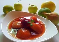 Ovocný kompot s jahodovým želé