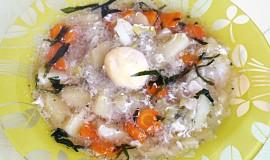 Rozmarynova cesnecka à la 'poached egg'