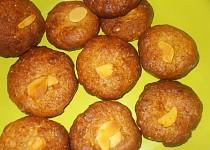 Sušenky z celozrnné mouky, karobu a medu