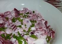 Salát z červené řepy s majonézou a křenem