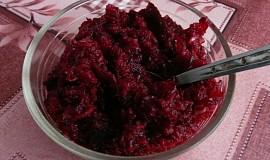 Vitamínový salát z pečené červené řepy