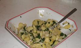 Bramborový salát se špenátem