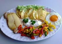Kotleta se sýrem, zeleninou a vejcem