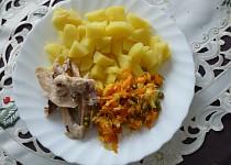 Kuř.stehna s bramborem a osmahnutou zeleninou