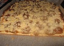 Švestkový koláč z kynutého těsta