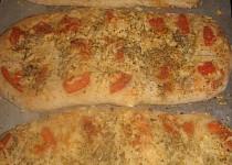 Sýrový chléb s rajčátky