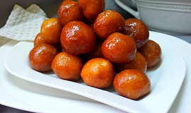 Awami - smažené kuličky v sirupu