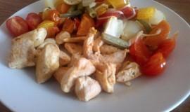 Kuřecí maso s pečenou zeleninou