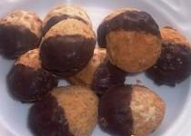Plněné ořechy 1