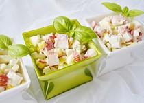 Salát z krabích tyčinek - lahodný