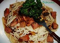 Špagety s uzeným masem a žampiony
