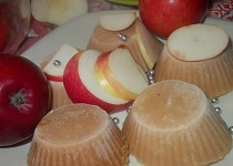 Šťavnatý sorbet z jablek, medu, mandarinkové a citronové šťávy