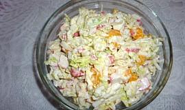 Surimi salát se zelím a mandarinkami