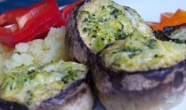 Zapečené žampiony s brokolicí a gorgonzolou