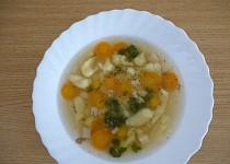 Zeleninová polévka s krupičnými nočkami