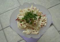 Celerový salát s cibulí a jablky