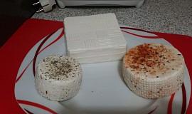 Domácí farmářský sýr