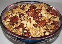""""""" Hříšně pálivé"""" pikantní ořechy s chilli olejem"""