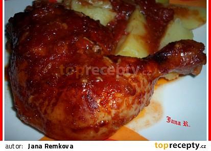 Kuře na krájených rajčatech, čili papričkách a cibuli