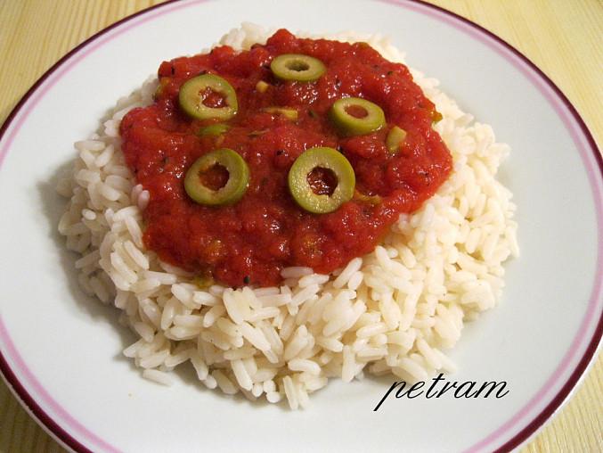Rajčatovo-olivová omáčka na těstoviny/rýži