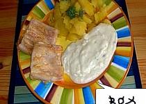 Rybí filety grilované  - se sýrovou omáčkou