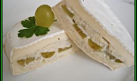 Camembert plněný nivou a hroznovým vínem