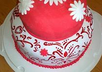 Červenobílý dort pro inspiraci