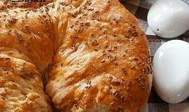 Chlebová škvarkovo-česneková  podkova
