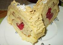 Jemná roláda s kávovým krémem, plněná jahodami