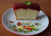Jogurtový chlebíček s jahodovým želé
