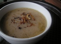Podmáslová polévka s bramborem a cibulí