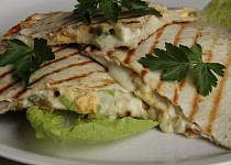 Quesadilla s vejci a jalapeňo