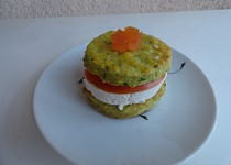 Slané koláčky plněné sýrem a rajčetem