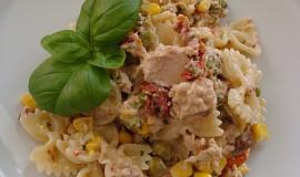Těstovinový salát s broklicí a tuňákem