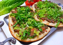 Turecká pizza (Lahmacun)