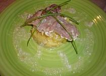 Zapečená kýta s bramborem