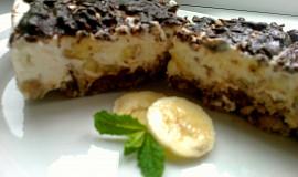 """Banánový """"cheesecake"""" s čokoládou a rumem"""