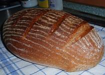 Bramborovo-pšenično-žitný chleba  (kváskový)