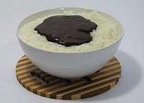 Čokoládová mléčná rýže z hrnce na rýži